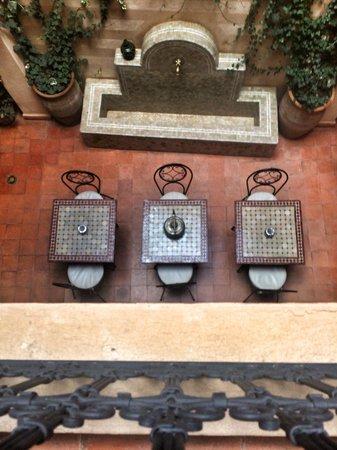 Riad Marrakiss : View down to the courtyard