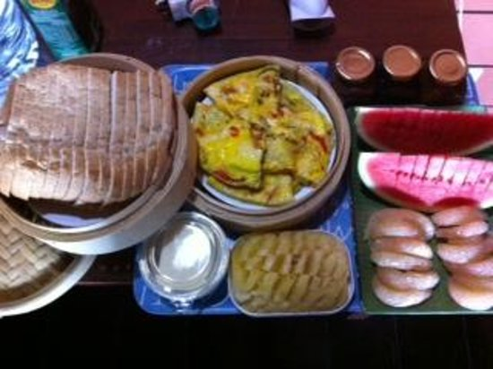 Sari Village Holiday Homes: First day breakfast, for 6 adults and 2 children