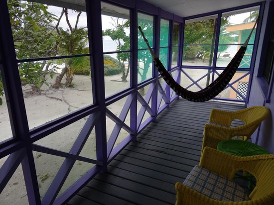 Blackbird Caye Resort: Terrasse