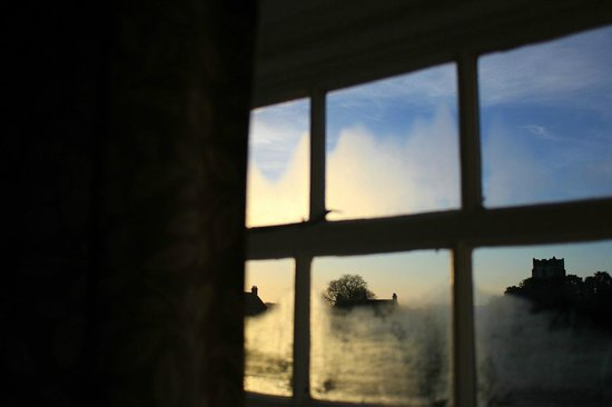 St Quintin Arms Inn: My view in the morning from Room 1