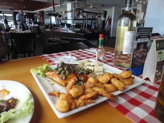 O Capo Restaurant : salmão grelhado com camarão