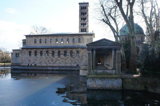 Potsdam Friedenskirche : Belo