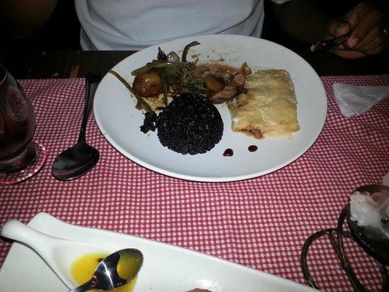 Restaurante Gran Sasso: Cordeiro ao vinho, arroz negro e batata