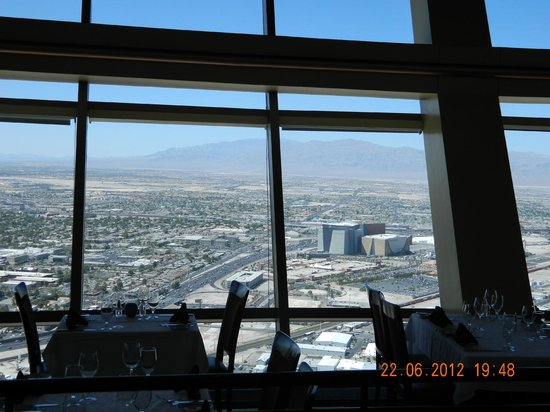 Top of the World Restaurant at the Stratosphere: Vista