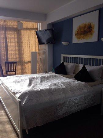 Hotel Oxigen Petrosani : Large double room