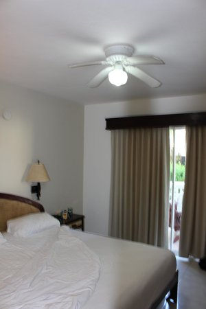 The Tropical at Lifestyle Holidays Vacation Resort: Small-scale ceiling fan