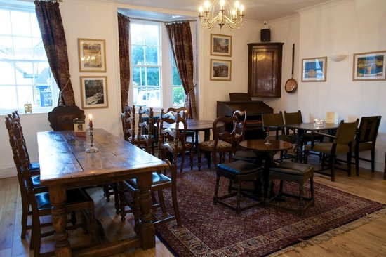 The Eagles Hotel: BAR AND RESTAURANT