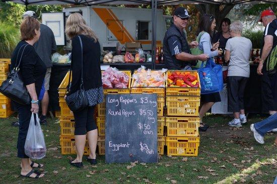 Hawkes Bay Farmers' Market: Local produce