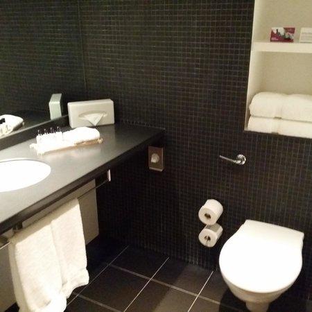 Crowne Plaza London - Docklands: Bathroom