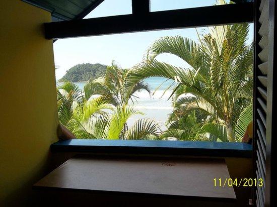 Pousada Kaliman: Vista do quarto para a praia