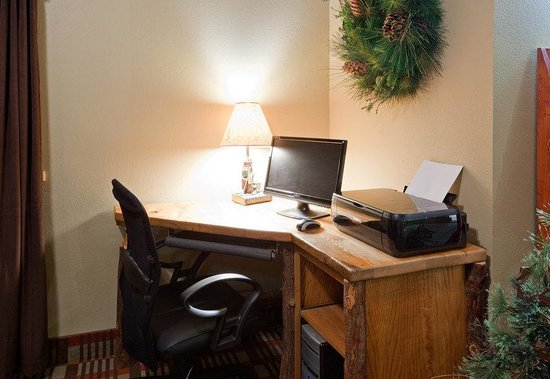 AmericInn Lodge & Suites Pequot Lakes: Pequot Lakes Business Center