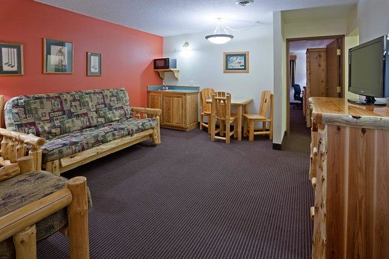 AmericInn Lodge & Suites Pequot Lakes: Pequot Lakes Room Suite