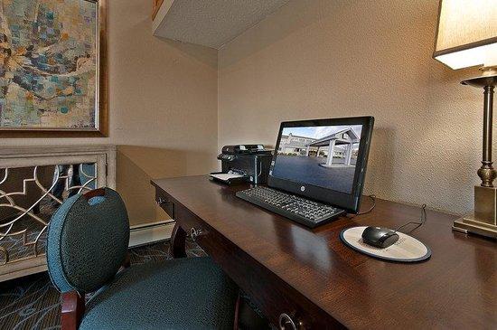 AmericInn Hotel & Suites Bay City: Americ Inn Business Desk