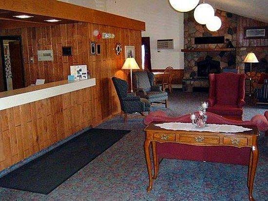 AmericInn Lodge & Suites Cloquet: Interior