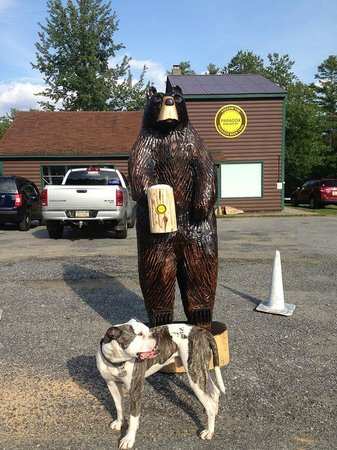 Schroon Lake, État de New York : Paradox Brewery mascots