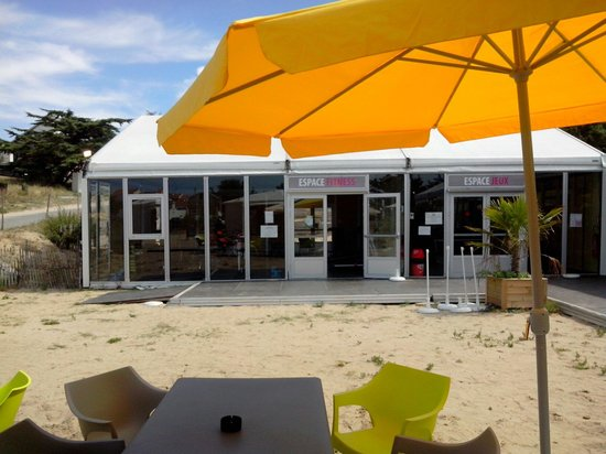 Domaine Le Midi : A la terrasse du bar
