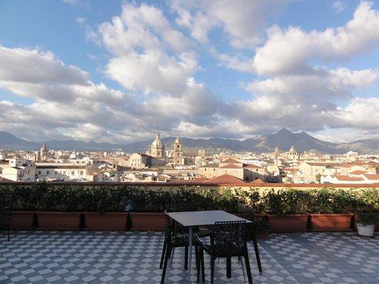 Ambasciatori Hotel: Terraza donde sirven el desayuno