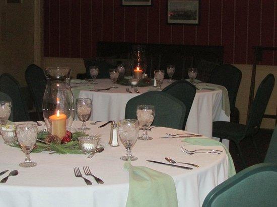 Wayside Inn: The Hunt Room