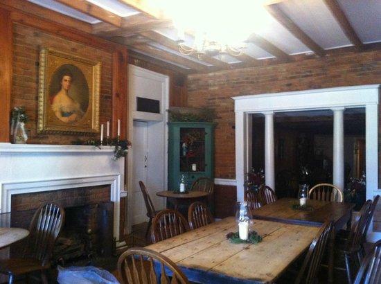 Wayside Inn: Front Dining Room
