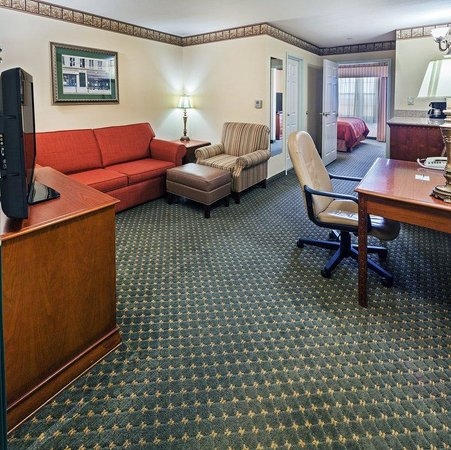 Country Inn & Suites By Carlson, Amarillo I-40 West: CIS Amarillo King Suite