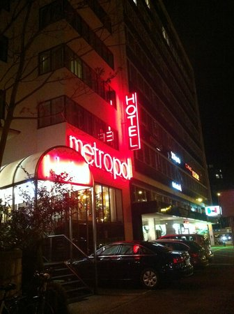 Metropol Hotel Basel: Front of the hotel