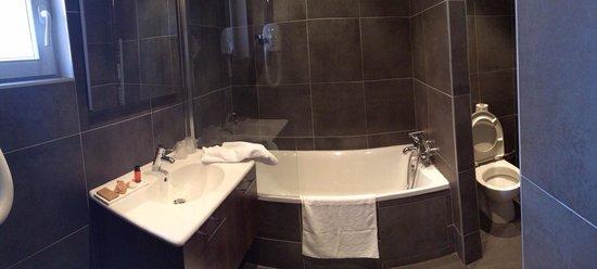 Hotel Villa les Bains: Sdb