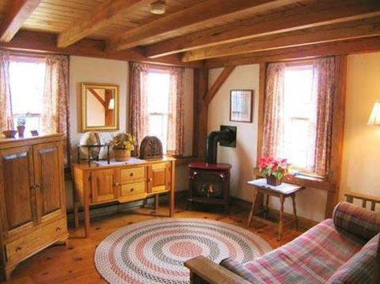 Seven Sea Street Inn: Two Room King Suite