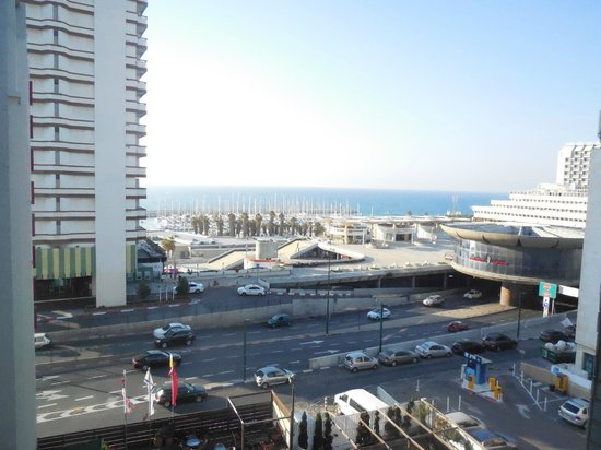 Leonardo Beach Tel Aviv Hotel : View of the yacht club