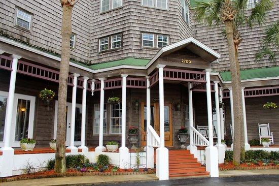 Henderson Park Inn: Inn entrance.