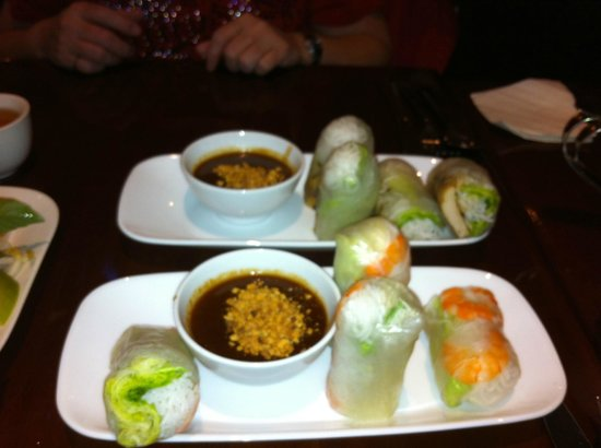Kanata Noodle House: Shrimp rice paper wrap and Grilled chicken rice paper wrap