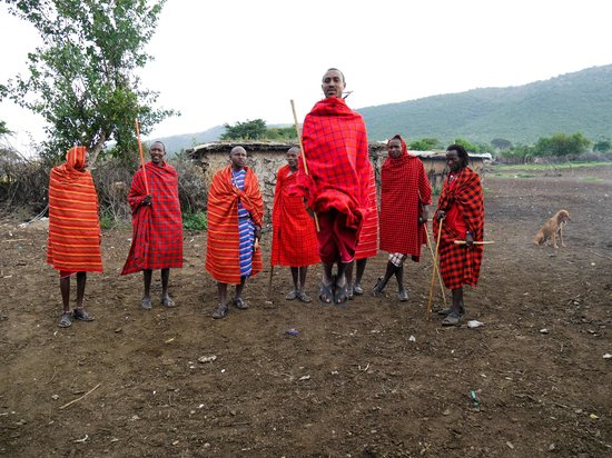 Mara Sopa Lodge: Local Masai Village