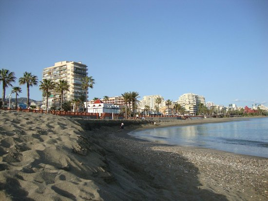 Las Arenas Hotel : Hotel from beach