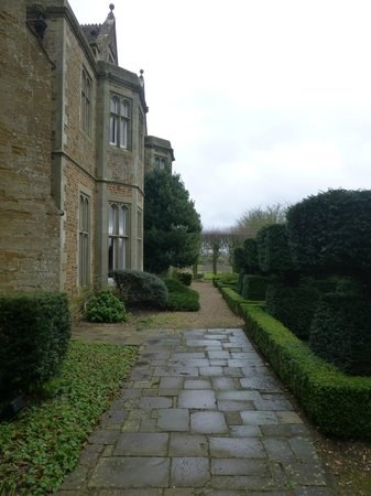 Fawsley Hall Hotel & Spa: Outside the hotel