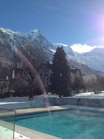 Hotel Mont-Blanc : swim with a view!