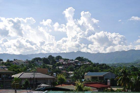Cebu Grand Hotel : 山並みがきれい