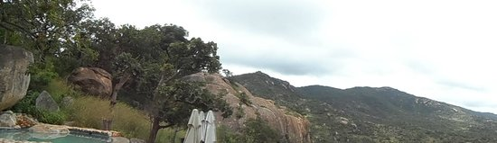 Bongani Mountain Lodge : panorama dalla piscina