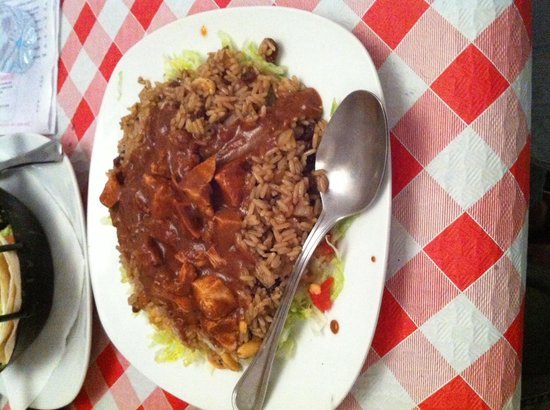 Angeles Chiles Y Demonios: Pollo al mole