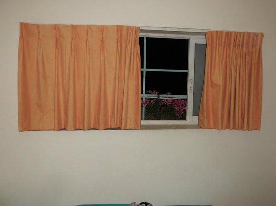 Abraham Hostel Jerusalem: Окно