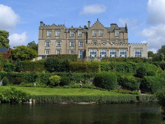 Ballynahinch Castle Hotel: Ballynahinch Castle