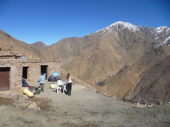Toubkal Guide Day Tours: lunch stop