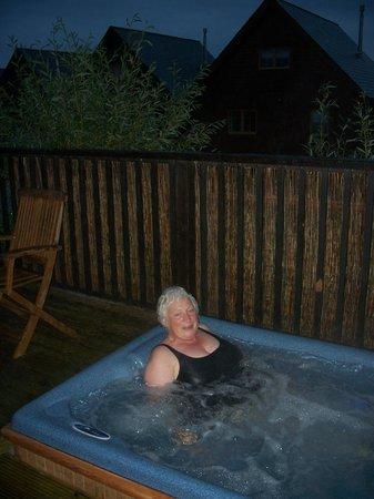 Gwel an Mor: Hot tub