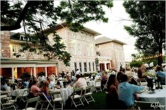 Inn at Carnall Hall: Events look out over the University of Arkansas' Old Main Lawn
