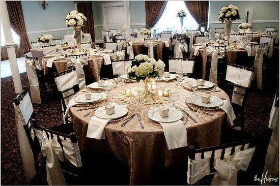 Inn at Carnall Hall: West Dining Room