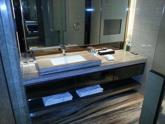 Nathan Hotel : Clean and bright