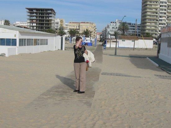 Monte Gordo Beach: Fijn wandelen over de vlonders