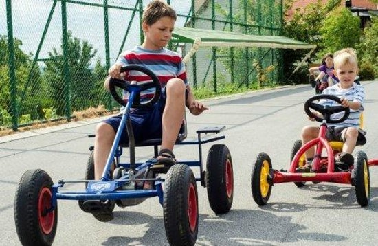 Alsopahok, Hongaria: Pedal go karts