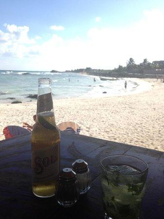 Zamas: Drinks at the restaurant on the beach