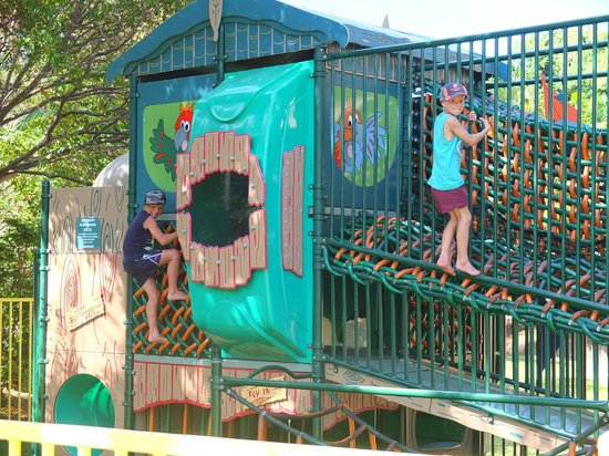 Ashmore Palms Holiday Village : Playgrounds