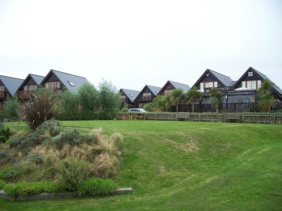 Gwel an Mor: view of lodges