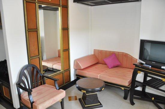 Aonang Ayodhaya Beach Resort: Прихожая в номере